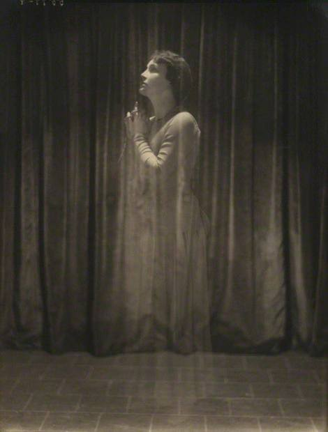 Bertram Park, Fay Compton as Mary Rose, 1920